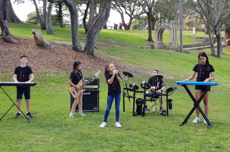 children and their band playing music, music school, hurstville, Sydney, Bexley, Allawah, Penshurst, nusic lessons, music school, learn music, music teacher, music school, free music lesson