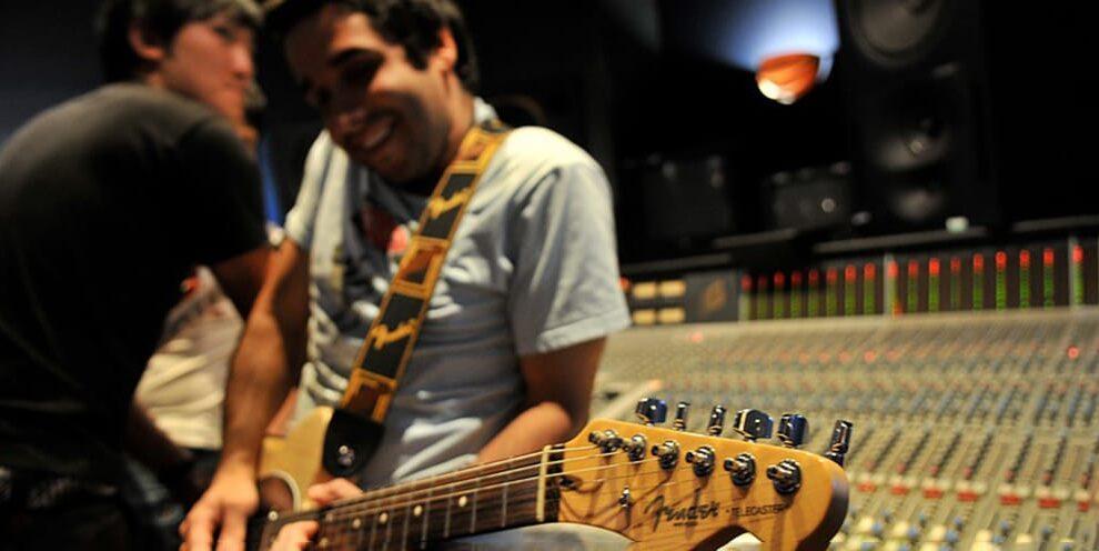 Guitar lessons Hurstville Sydney Australia, learn guitar, guitar teacher Bexley Allawah Penshurst